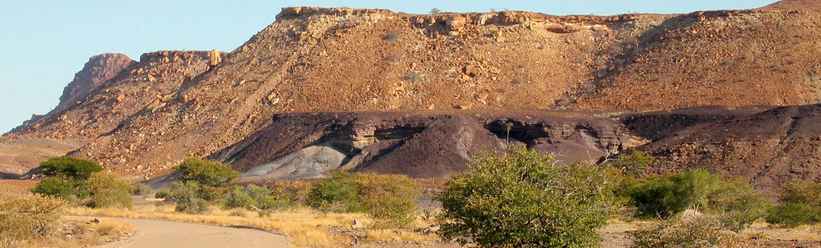 namibia_burntmountain_1171x355_09