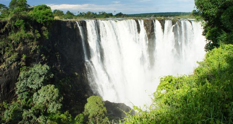 africa_victoriafalls_750x400_001