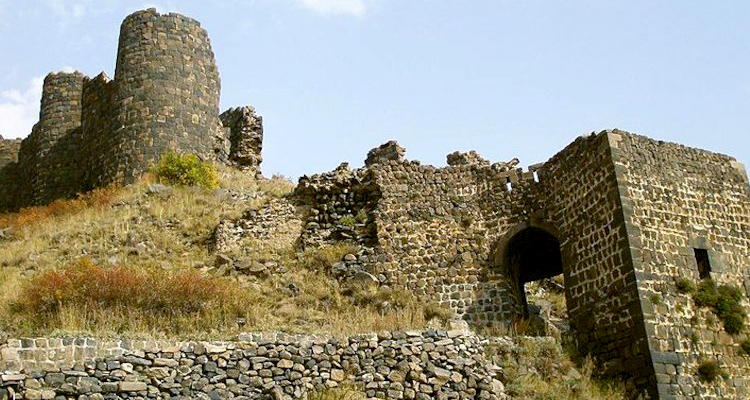armenia_750х400_amberd_1