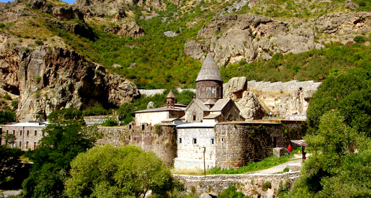 armenia_750х400_gegard07