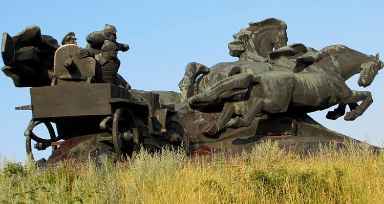 Памятник Тачанка-Ростовчанка